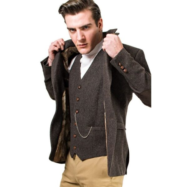 Celtic Gents Brown Stephens Collar with Oscar Wilde Waistcoat